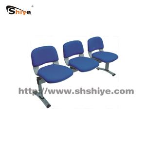 三座候诊椅